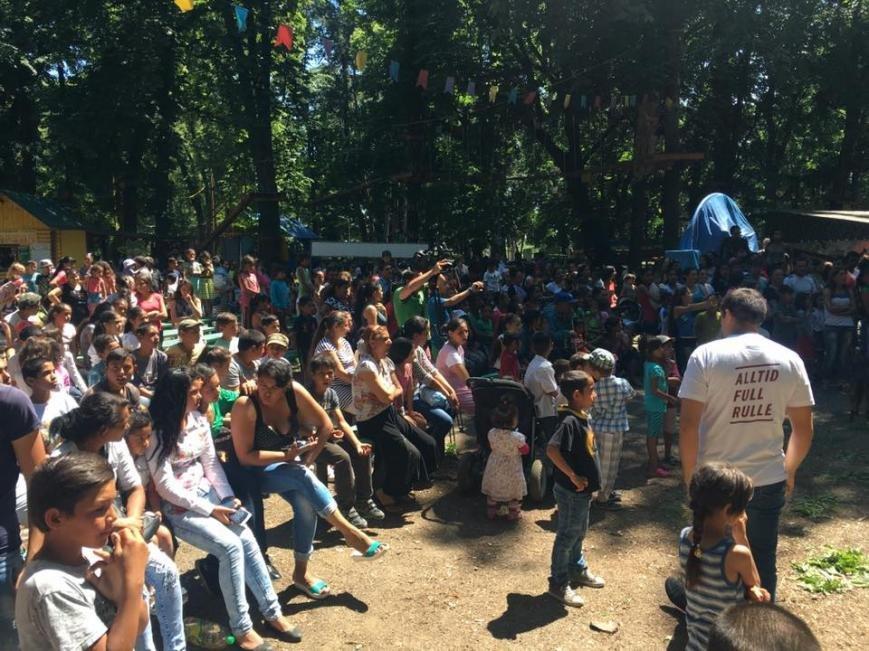 """Як 400 маленьких ромів розважалися у парку """"Підзамковому"""": фото, фото-5"""