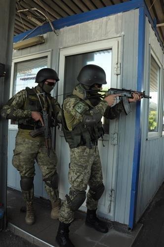 """Як СБУ на кордоні """"диверсантів-пересічників"""" знешкоджували: фото, фото-3"""