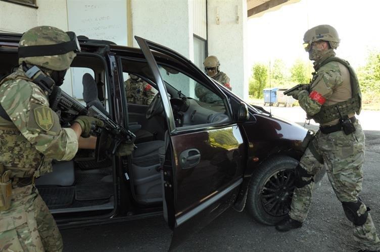 """Як СБУ на кордоні """"диверсантів-пересічників"""" знешкоджували: фото, фото-10"""