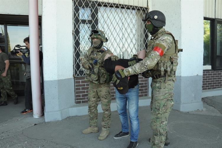 """Як СБУ на кордоні """"диверсантів-пересічників"""" знешкоджували: фото, фото-1"""