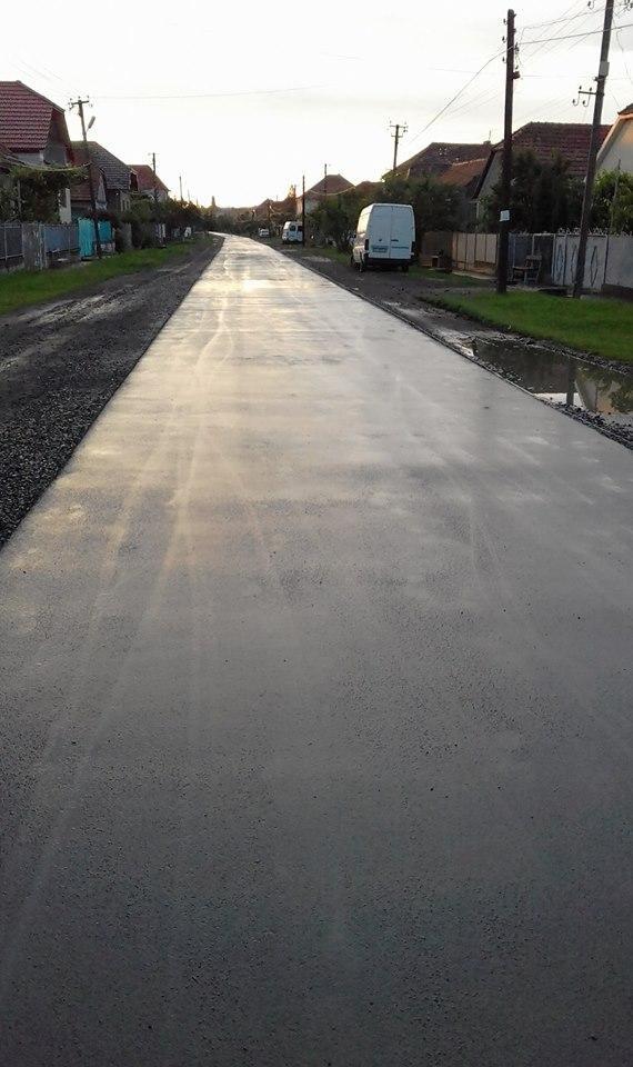 У соцмережах мешканці Зняцева, що на Мукачівщині, хваляться ідеально відремонтованою дорогою: фото, фото-3
