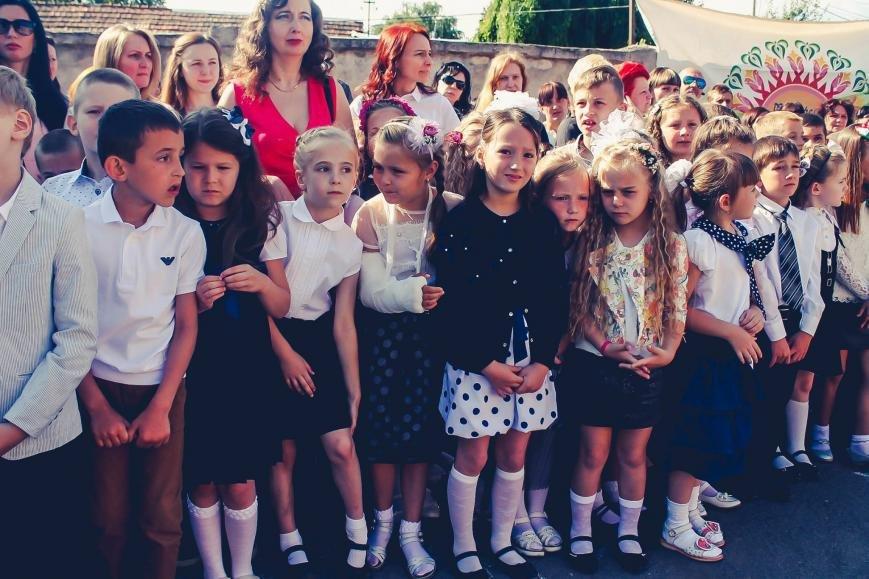 """Як мукачівські школярі відзначали свято """"Останнього дзвоника"""": фото, фото-7"""