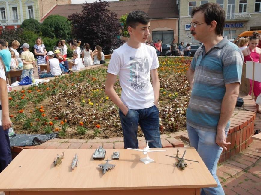 В Ужгороді на Петефі змагались юні винахідники: фото, фото-9