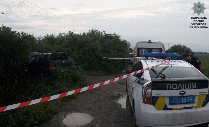 """Ужгородські патрульні показали фото гонитви з пострілами за п'яним водієм """"Фольксвагена"""", фото-1"""