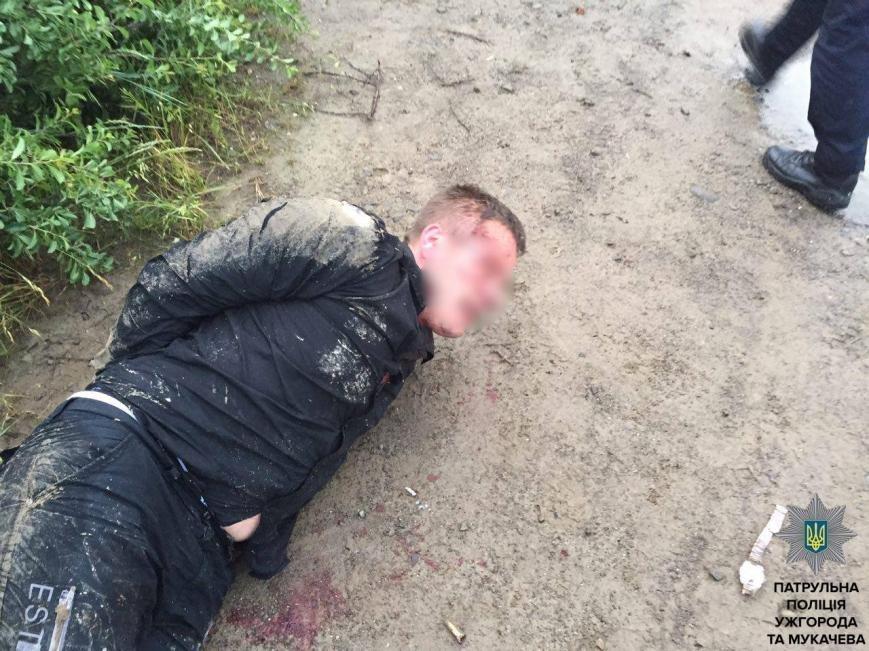 """Ужгородські патрульні показали фото гонитви з пострілами за п'яним водієм """"Фольксвагена"""", фото-7"""