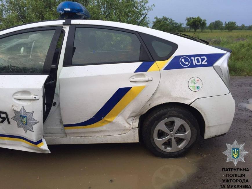 """Ужгородські патрульні показали фото гонитви з пострілами за п'яним водієм """"Фольксвагена"""", фото-4"""