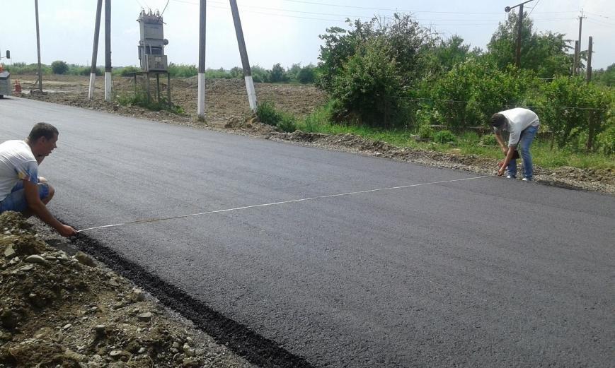 На Закарпатті проклали кілометр ідеальної дороги до нового пункту пропуску: фото, фото-3