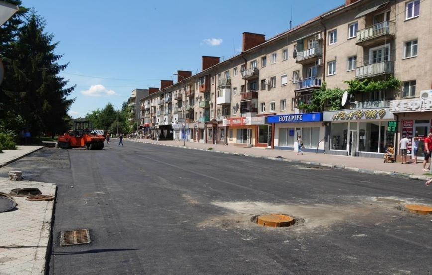 Як проходить капремонт вулиці Заньковецької в Ужгороді: фото, фото-2