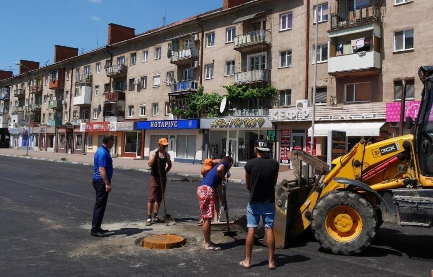 Як проходить капремонт вулиці Заньковецької в Ужгороді: фото, фото-1