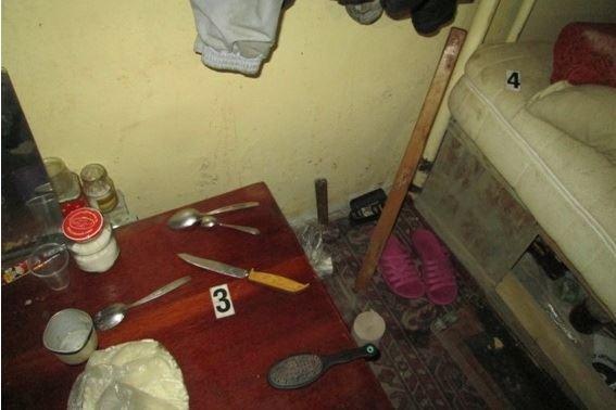 Поліція оприлюднила фото з місця, де двоє безхатченків порізали 21-річного холпця, фото-1