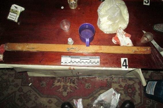 Поліція оприлюднила фото з місця, де двоє безхатченків порізали 21-річного холпця, фото-3
