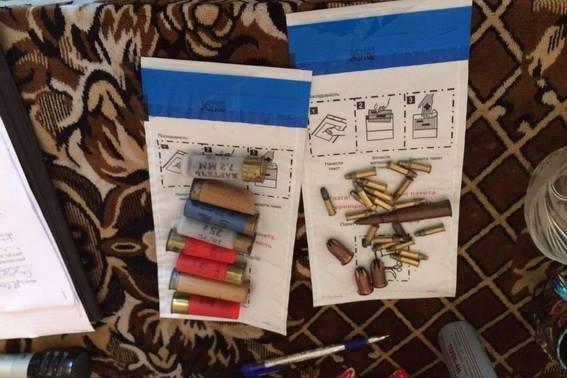 Як поліція зброю у закарпатців вилучала: фото, фото-2