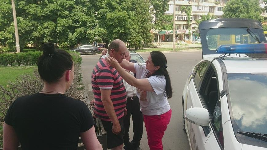 В Ужгороді на Грушевського серед білого дня сталася різанина у п'яній компанії: фото, відео, фото-12