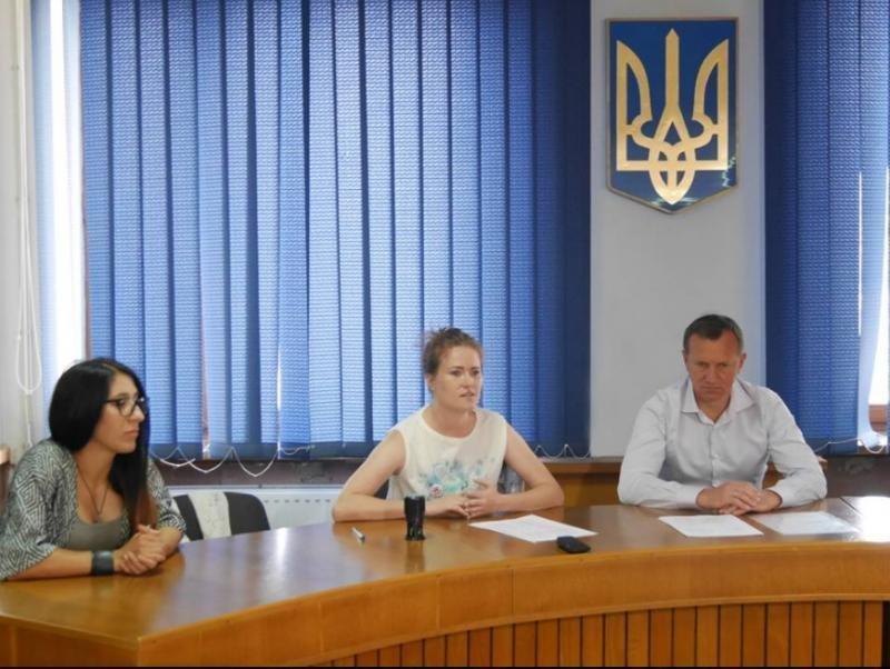 Волонтери розповіли меру Ужгорода, як потрібно відловлювати бродячих собак: фото, фото-2