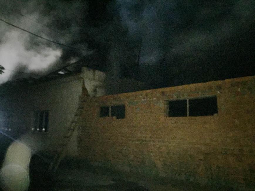 Хустський район: вогнеборці ліквідували пожежу у цеху та врятували будинок (ФОТО), фото-2