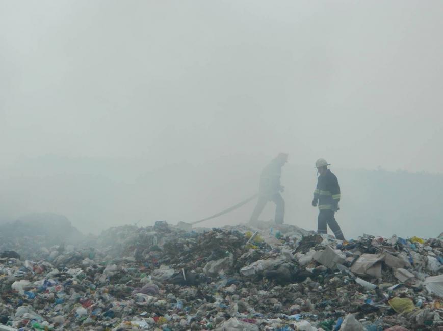 На Іршавщині - масштабна пожежа на сміттєзвалищі: фото, фото-1