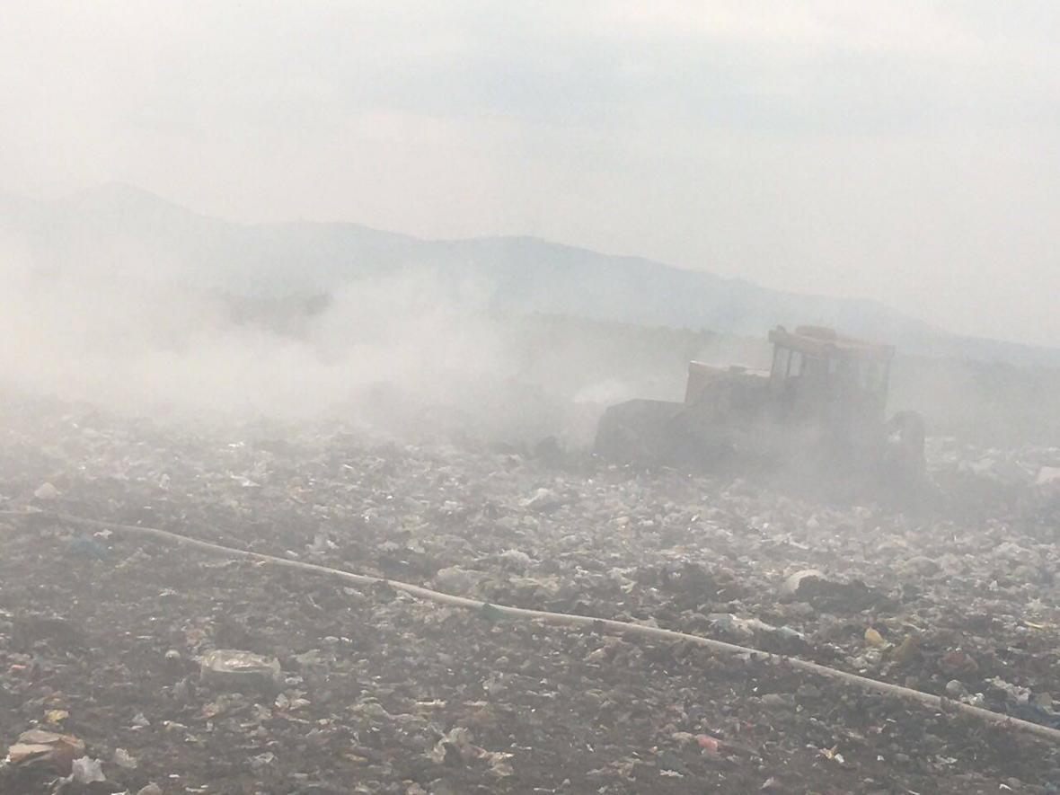 Рятувальники повідомили деталі масштабної пожежі на сміттєзвалищі на Іршавщині: фото, фото-1