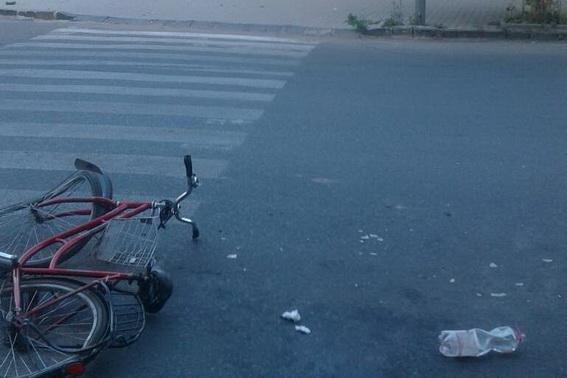 Жахлива смерть: у Берегові на пішохідному переході трактор переїхав жінку (ФОТО), фото-1