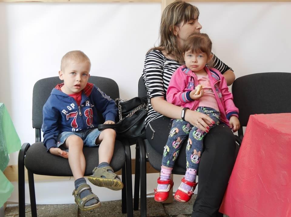 Мама з дітьми поскаржилася заммеру Ужгорода на те, що їм доводиться давати гроші на потреби дитсадка: фото, фото-4