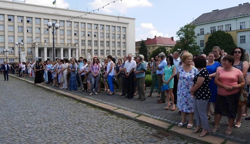 Ужгород вже почав святкувати День Конституції: фото, фото-4