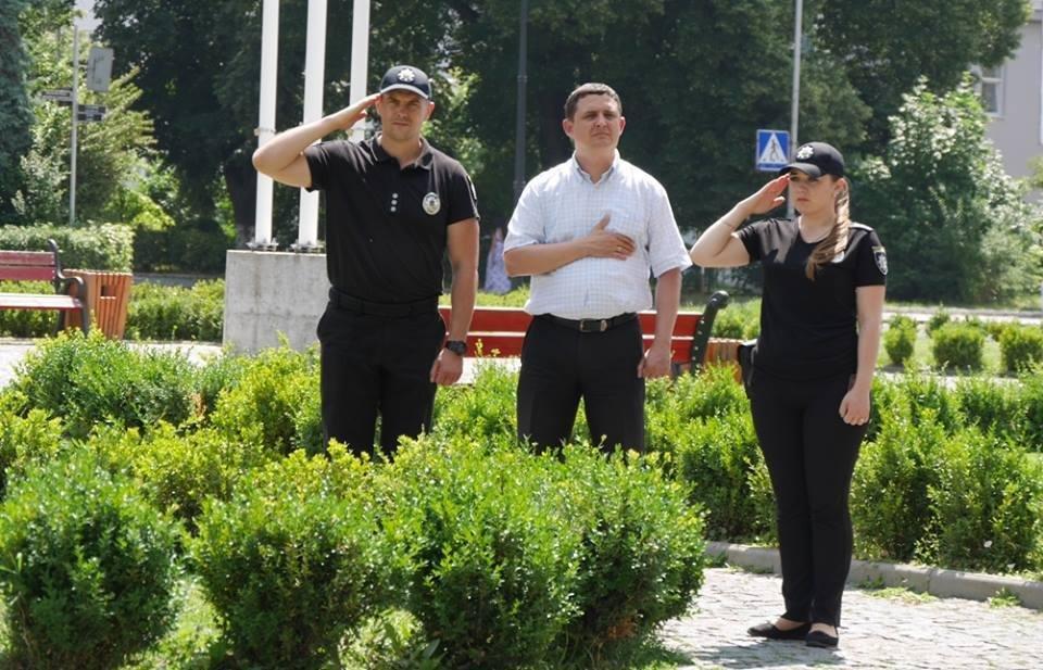 Ужгород вже почав святкувати День Конституції: фото, фото-1