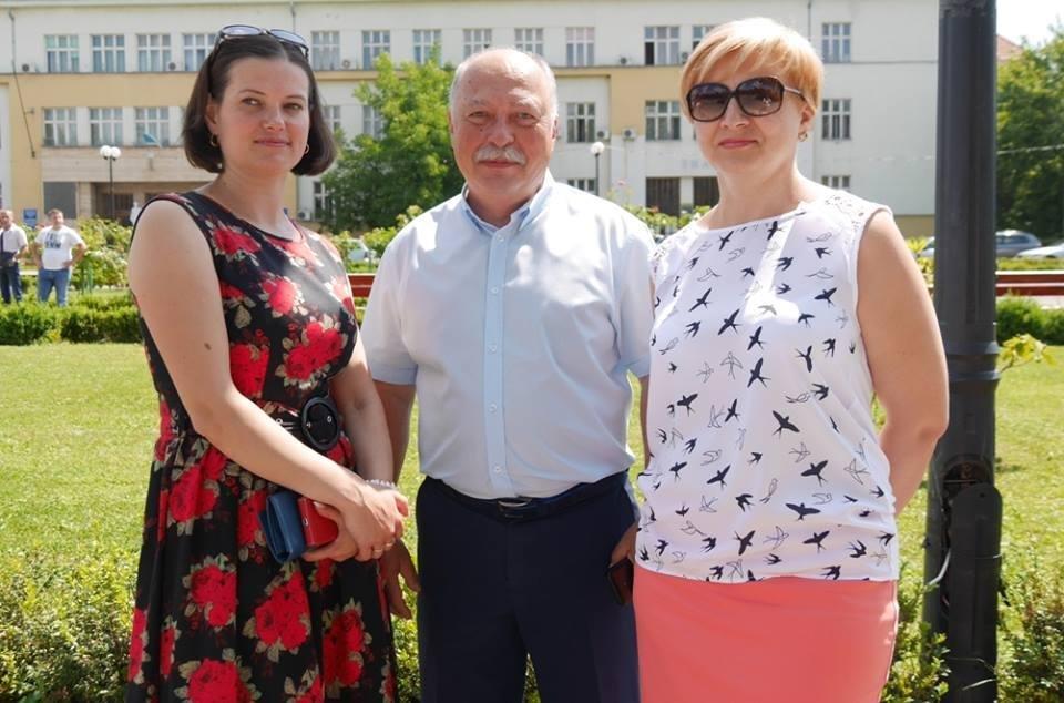 Ужгород вже почав святкувати День Конституції: фото, фото-3