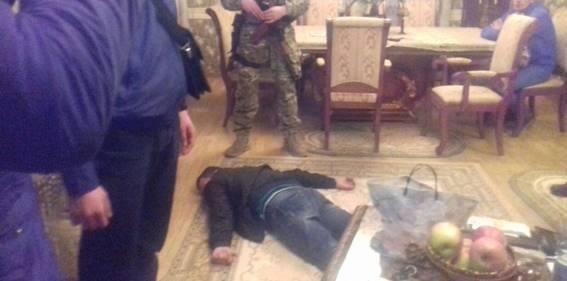 Депутат на Хустщині займався незаконним виготоленням алкоголю: фото, фото-1