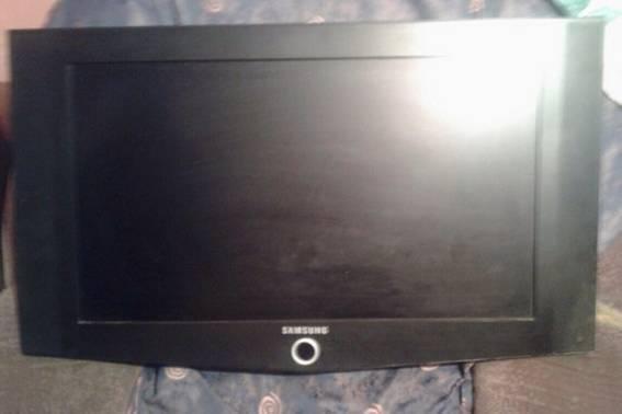 У Мукачеві працівник украв у господаря будинку плазмовий телевізор: фото, фото-2