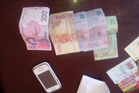 У Мукачеві жінка украла у чоловіка гроші, сіла у таксі і поїхала додому: фото, фото-2
