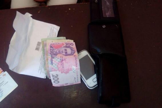 У Мукачеві жінка украла у чоловіка гроші, сіла у таксі і поїхала додому: фото, фото-3