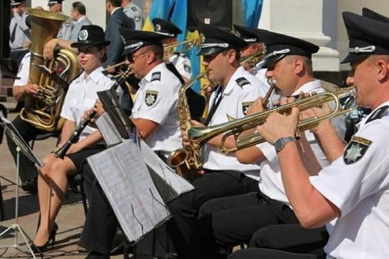 Закарпатський оркестр Нацполіції долучився до рекорду України з виконання гімну Євросоюзу: відео, фото-3