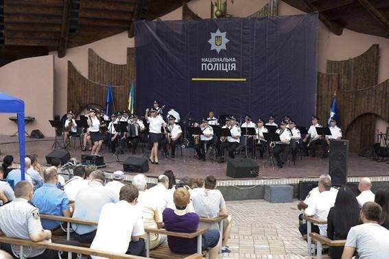 Закарпатський оркестр Нацполіції долучився до рекорду України з виконання гімну Євросоюзу: відео, фото-1