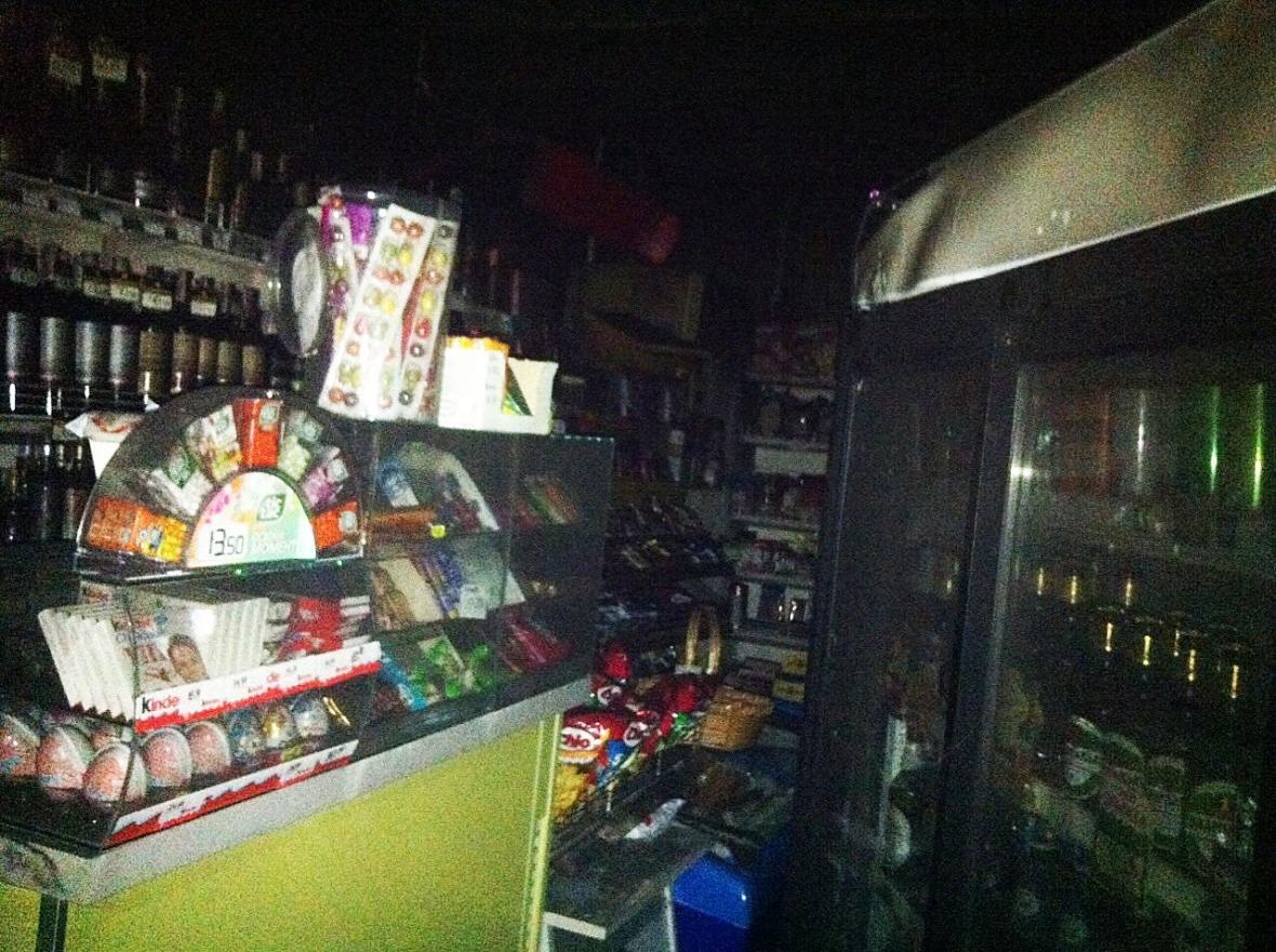 """В Ужгороді на Швабській загорівся магазин """"АВС"""" (ФОТО), фото-2"""