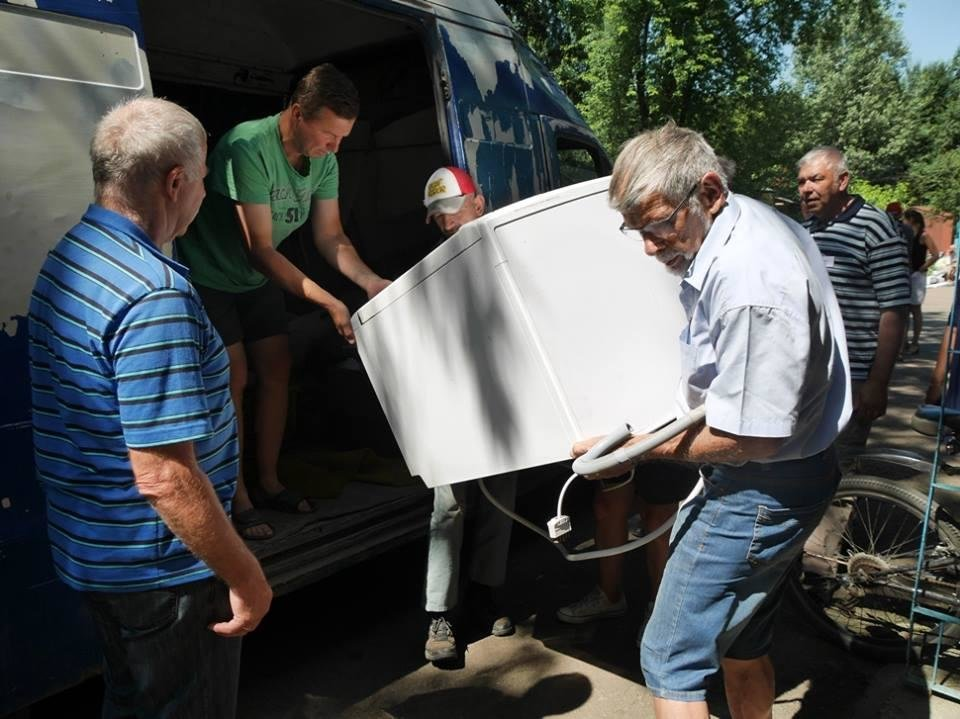 В Ужгород з гуманітарною допомогою приїхали 45 жителів Данії: фоторепортаж, фото-11