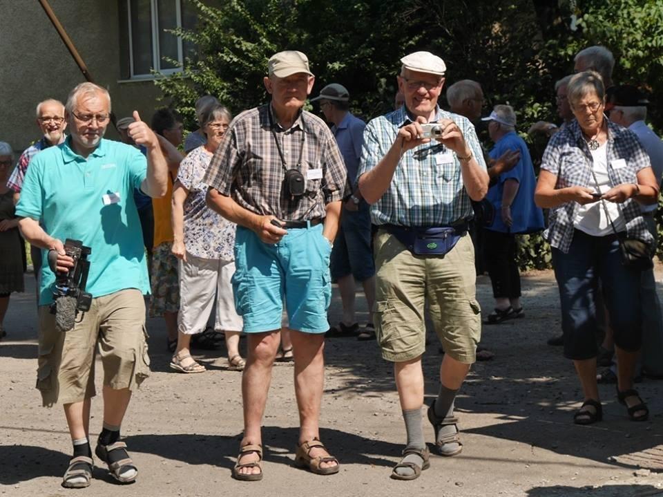В Ужгород з гуманітарною допомогою приїхали 45 жителів Данії: фоторепортаж, фото-1