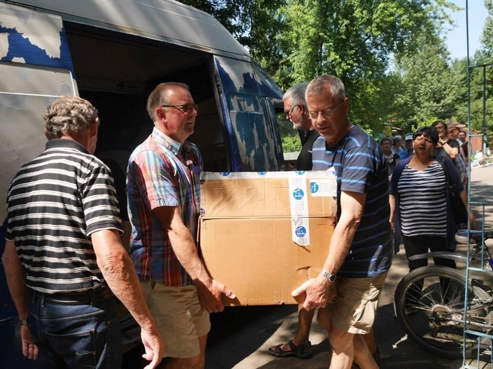 В Ужгород з гуманітарною допомогою приїхали 45 жителів Данії: фоторепортаж, фото-2