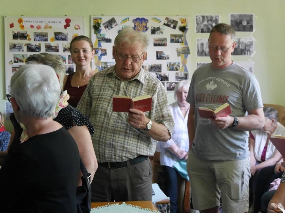 В Ужгород з гуманітарною допомогою приїхали 45 жителів Данії: фоторепортаж, фото-4