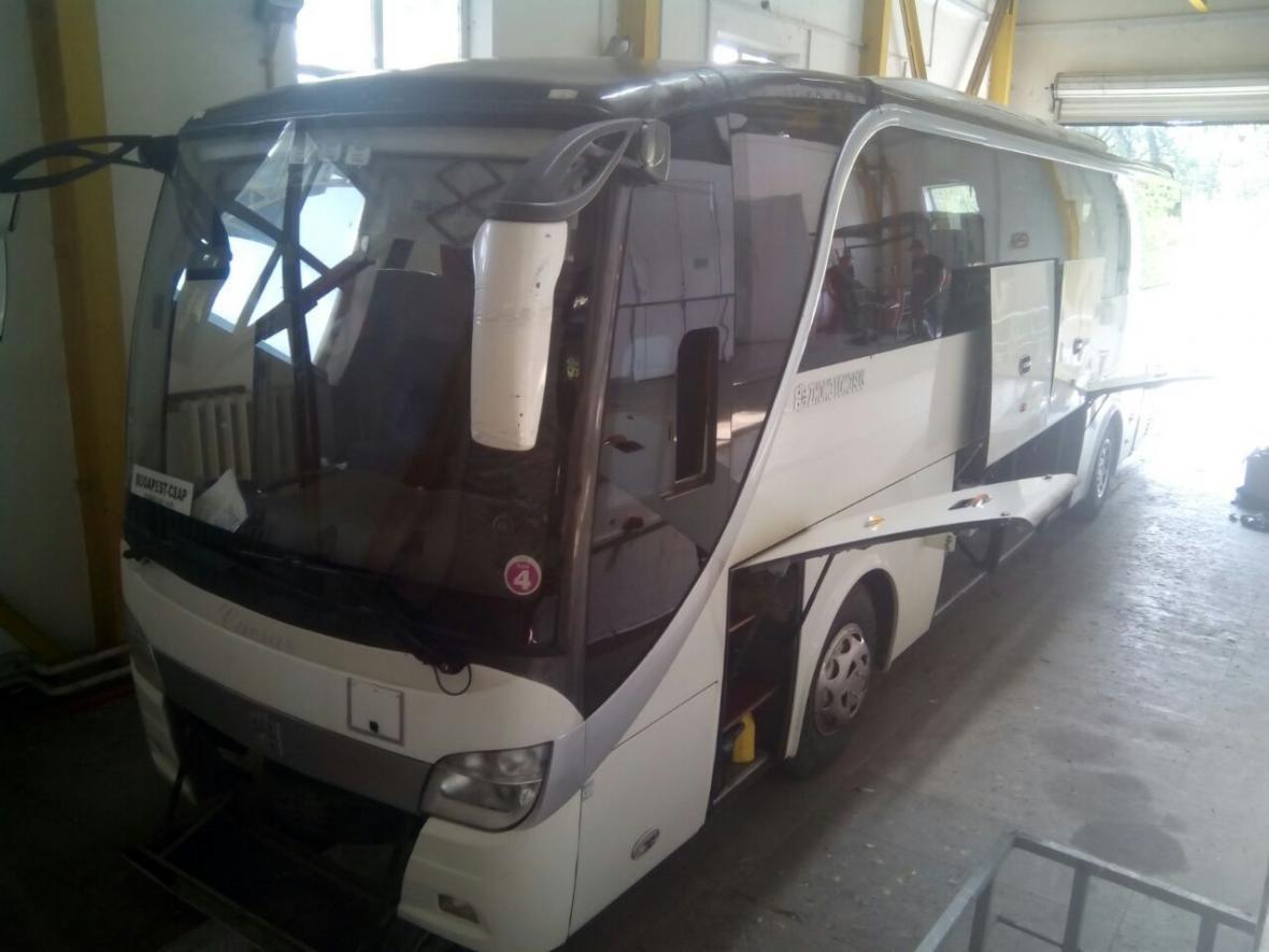 """На КПП """"Тиса"""" у автобусі """"Чоп-Будапешт"""" знайшли 1 500 пачок цигарок: фото, фото-1"""
