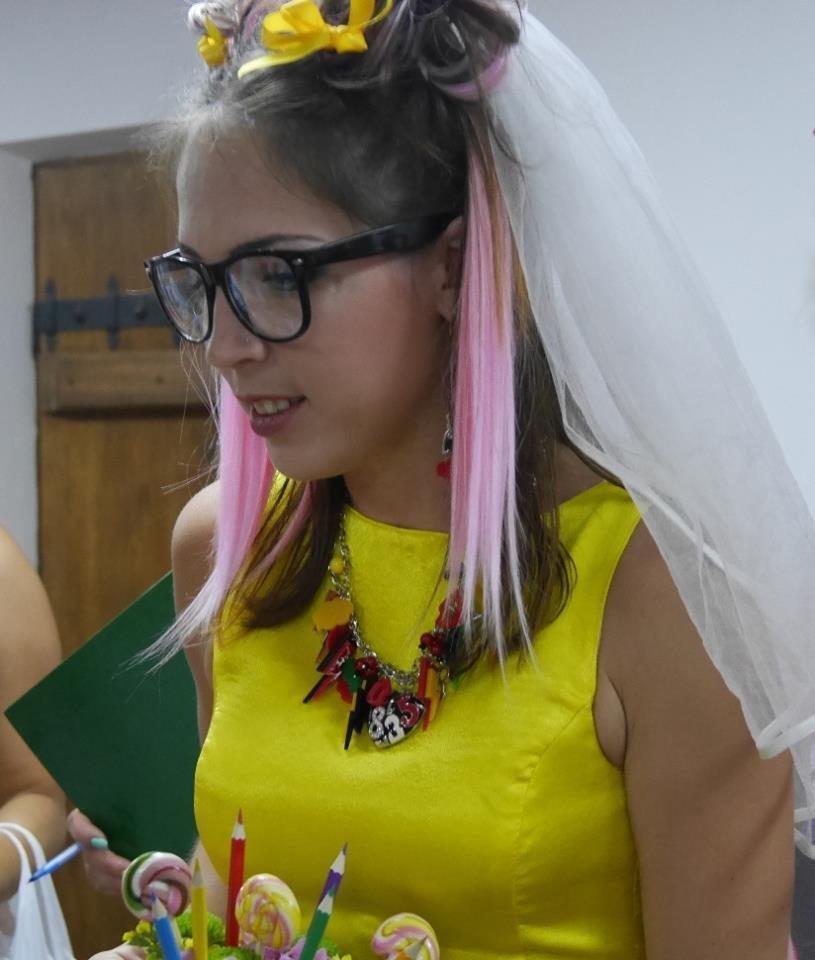 Іраклій та 60 красунь: в Ужгороді пройшов 8-й Парад наречених - фоторепортаж, фото-17