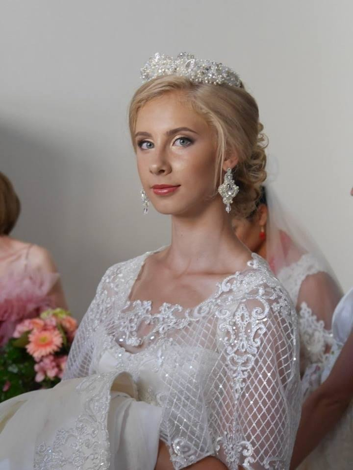 Іраклій та 60 красунь: в Ужгороді пройшов 8-й Парад наречених - фоторепортаж, фото-19