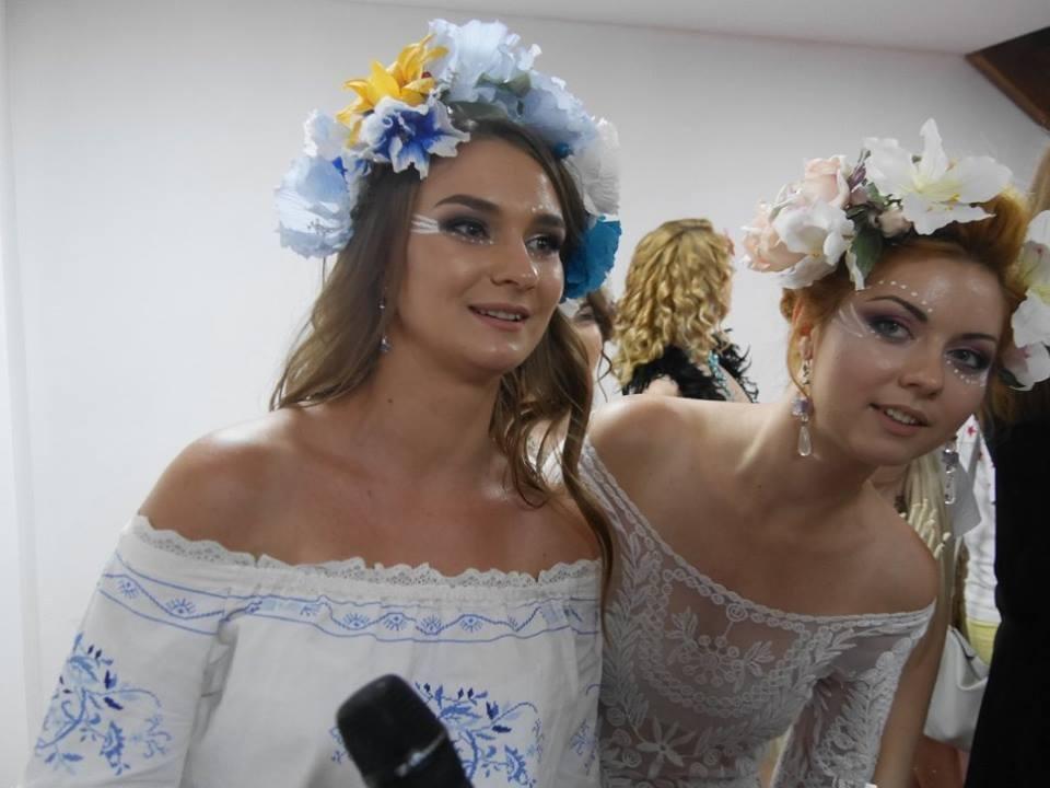Іраклій та 60 красунь: в Ужгороді пройшов 8-й Парад наречених - фоторепортаж, фото-16
