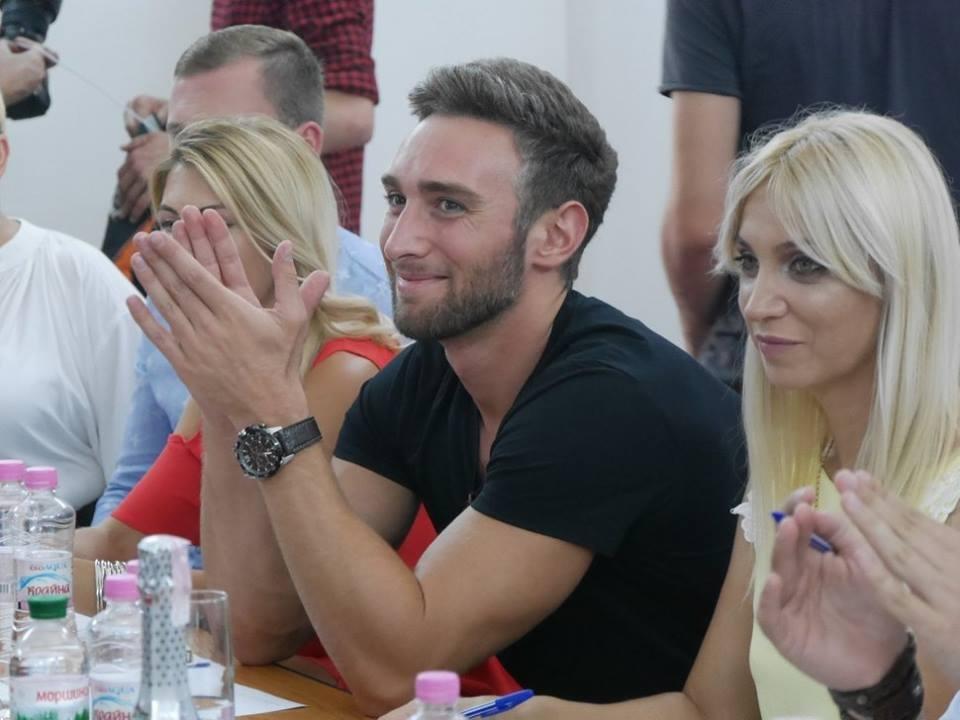 Іраклій та 60 красунь: в Ужгороді пройшов 8-й Парад наречених - фоторепортаж, фото-2