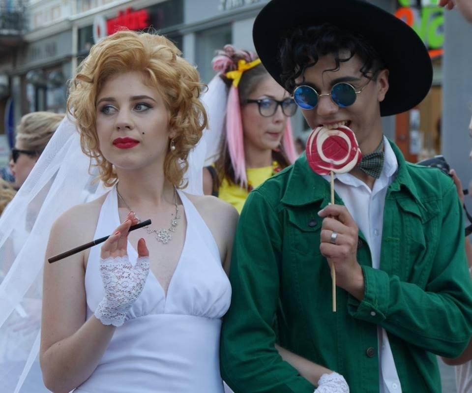 Іраклій та 60 красунь: в Ужгороді пройшов 8-й Парад наречених - фоторепортаж, фото-22
