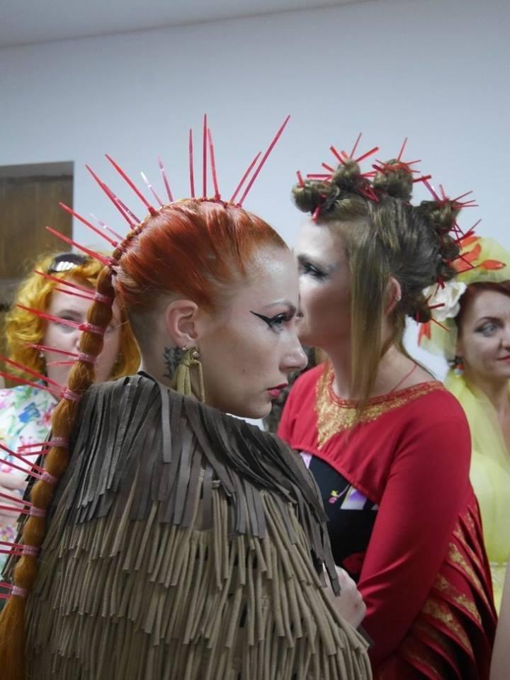 Іраклій та 60 красунь: в Ужгороді пройшов 8-й Парад наречених - фоторепортаж, фото-18