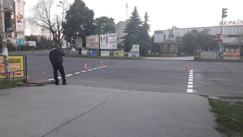 Ужгородська мерія похвалилася новою розміткою Минайської та проспекту Свободи: фото, фото-1