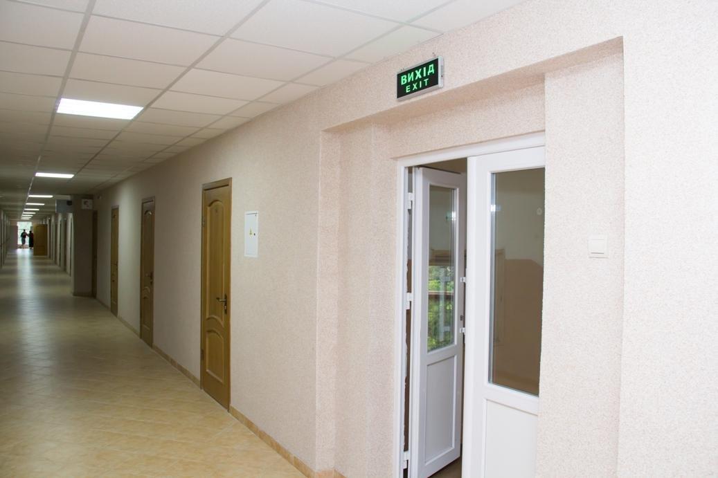 Як виглядають відремонтовані за 3 мільйони гривень гуртожитки № 2 і №3 УжНУ: фото, фото-1