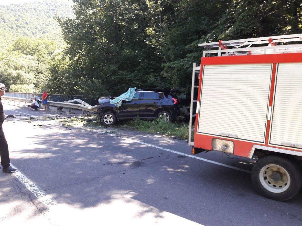 Смертельна ДТП на Закарпатті: рятувальники розповіли, як витягували постраждалих із авто (ФОТО), фото-2