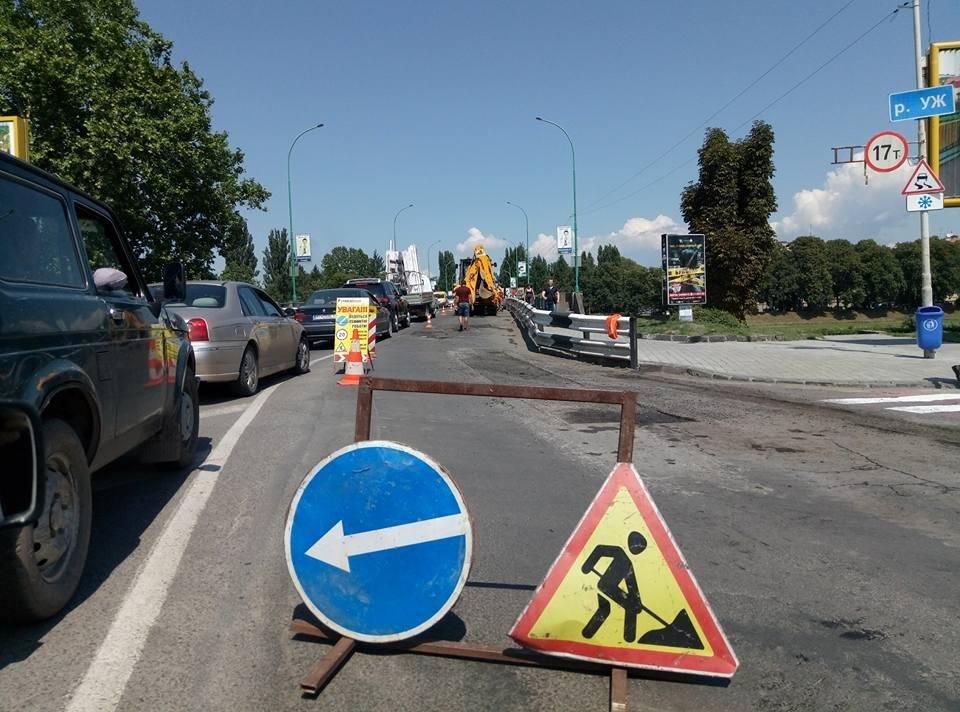 Затор до площі Дружби Народів: ужгородці нарікають на ремонт транспортного мосту у розпал дня, фото-3