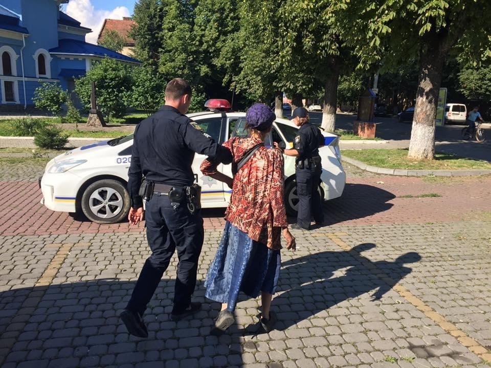 """У Мукачеві """"швидка"""" відмовилась госпіталізувати жінку, яка не може самостійно ходити: фото, фото-3"""