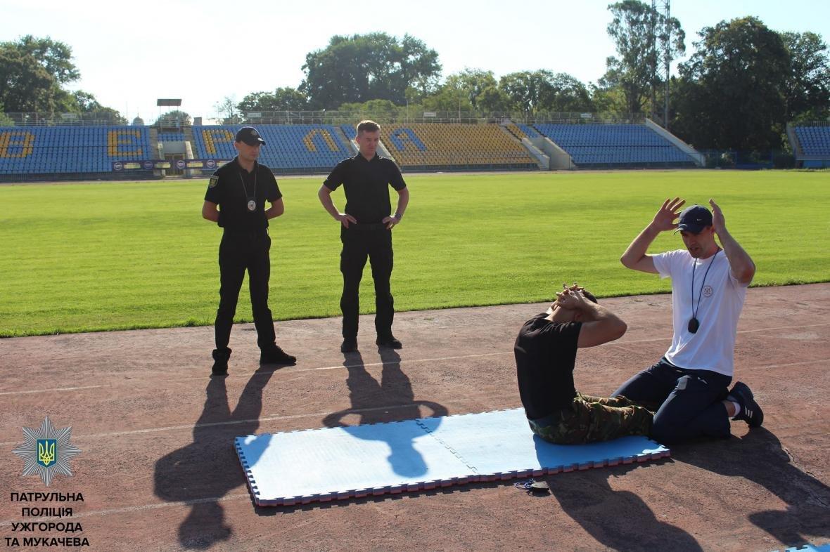 Що робили молоді ужгородці, щоб стати патрульними: фото, фото-10